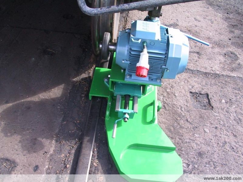 1ak200 mobile wheel lathe
