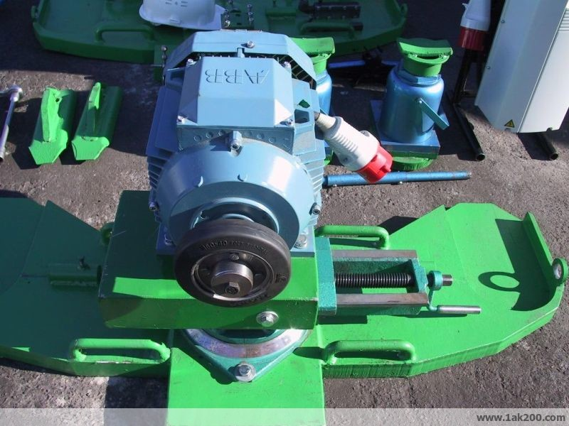 1ak200 portable rail wheel turning lathe